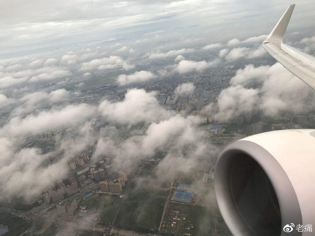 在胜安航空的班机上俯瞰美丽的成都。